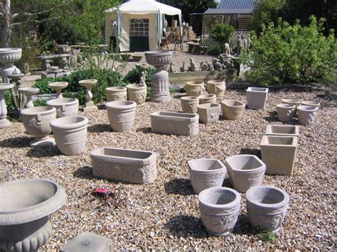 vasi in pietra per giardino vasi per piante vasi come scegliere i vasi migliori