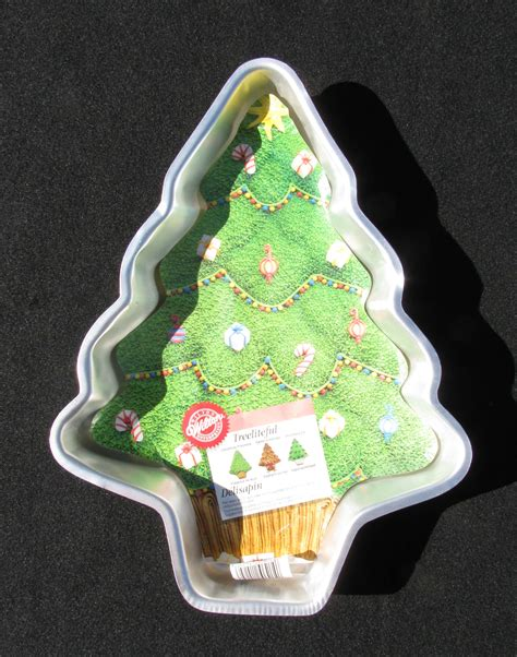 wilton christmas tree cake pan with insert holidays family