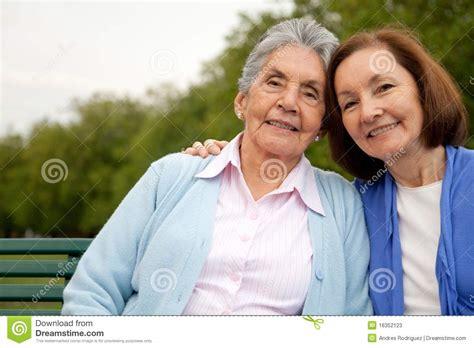 madre e hija se cogen madre e hija juntas se cogen al madre e hija se cogen madre e hija juntas cogen madre e