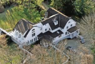 clinton chappacqua inside bill hillary clinton s 1 7 million home in