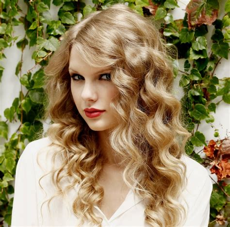 curls hair how to create taylor swift loose curls the hairstyle