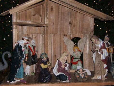 11 piece indoor outdoor nativity set 6 quot 18 quot w stable