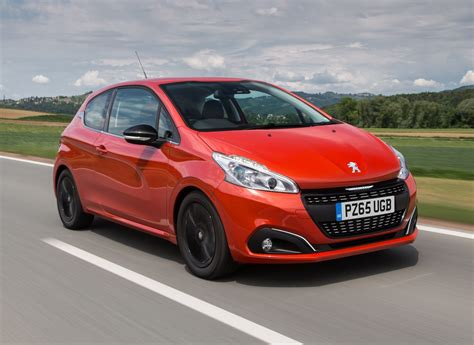 car peugeot 208 peugeot 208 hatchback 2012 photos parkers