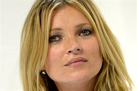 celebrity news kate moss the interior designer kate moss helps out harry styles with decoration tips for