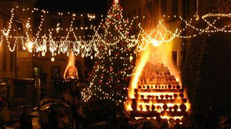 meteo s fiora i mercatini di natale aprono le feste a santa fiora tutto