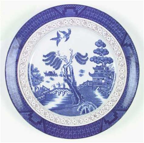 Willow Pattern With Gold Trim | japan blue willow gold trim at replacements ltd