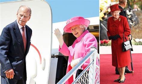queen elizabeth ii   monarch  carries