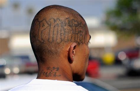 inmates  tattoo guns  prison