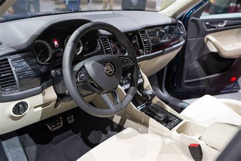 Skoda Kodiaq interior unveiled in Paris   Indian Autos blog