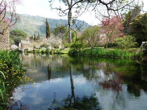 giardino di ninfa roma gita fuori porta l incantevole giardino di ninfa