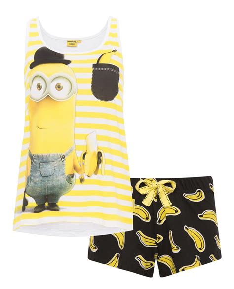 Minion Piyama pijama minions de primark con bananas moda en calle