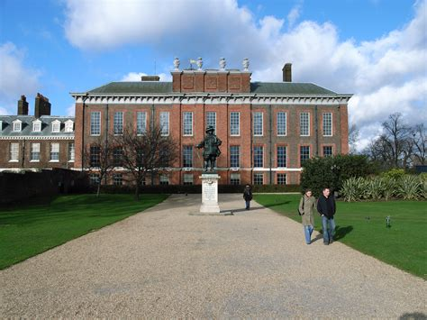 what is kensington palace file kensington palace jpg wikimedia commons