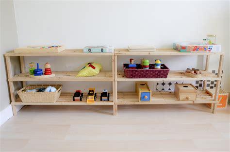 bureau avec 騁ag鑽e ikea am 233 nager l espace jeux montessori avec plusieurs enfants