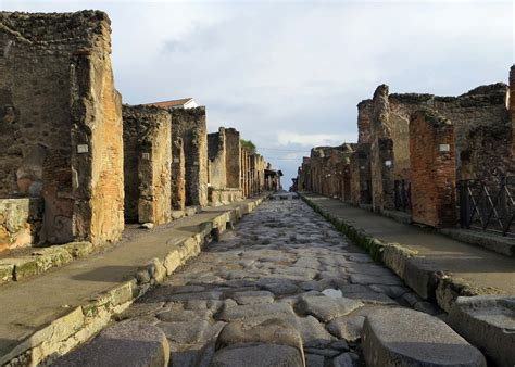 the of pompeii pompeii a city buried alive seaports of the mediterranean wandering through time