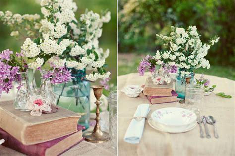 Flower Settings For Weddings by Wedding Table Setting Ideas Vintage Books Blue Jar