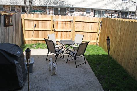 clotheslines for small backyards one sassy housewife backyard beautifucation part 2