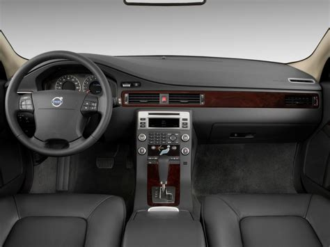 image  volvo   door wagon dashboard size    type gif posted  december