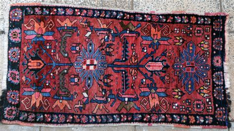 Wee On Rug by 723 A Delightful Wee Hamadan Rug Www Bagface Co Uk