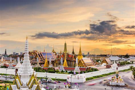 Di Bangkok Il Palazzo Reale A Bangkok E Il Suggestivo Buddha Di