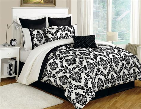 Black Comforter by Bed Comforters And Black 28 Images Damask Embossed Comforter With 2 Shams White Bedroom