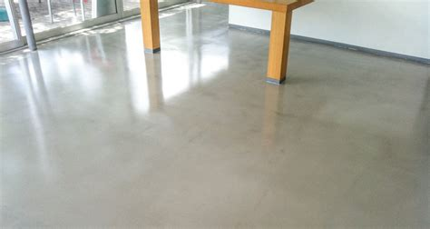Self Leveling Floor Coating UAE   Self Smoothing Flooring