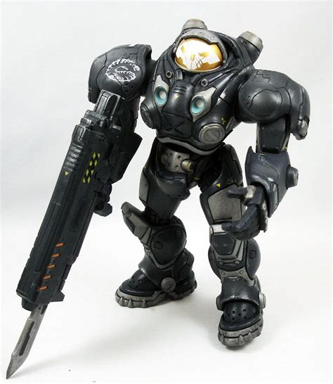 Figure Heroes Of The Starcraft heroes of the raynor starcraft renegade commander neca