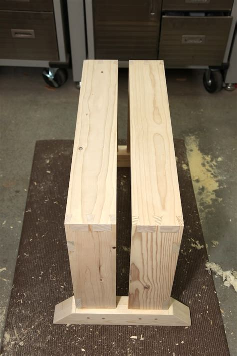 schwarz saw bench brian s improved saw bench the wood whisperer