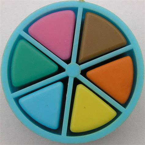 trivial pursuit colors the best classic board trivial pursuit 1984
