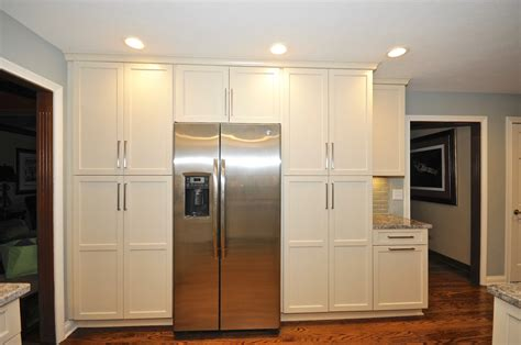 Flat Door Kitchen Cabinets by Guyco Homes Admirals Kitchen Living Room Remodel