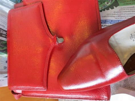re colour your shoes and other leather goods made