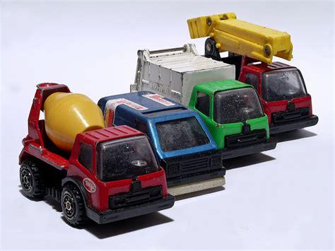 truck toys tonka