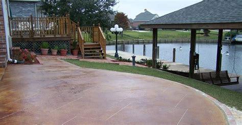 cemento colorato per pavimenti pavimenti in cemento pavimenti per esterno tipologie