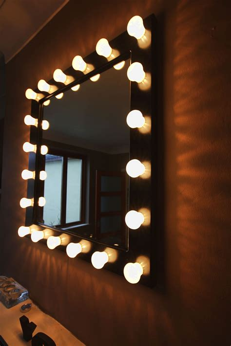 mirror with light bulbs backstage dressing room type mirror 27 5 quot high 25 5