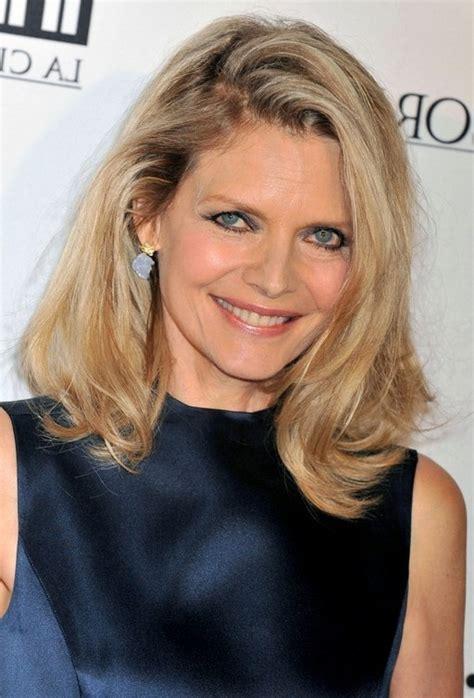 Michelle Pfeiffer Hairstyles | michelle pfeiffer latest medium blonde wavy hairstyle