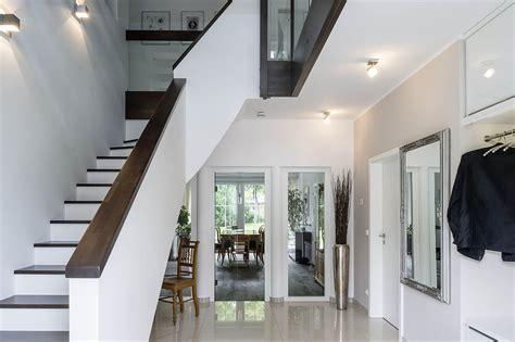 eingangsbereich haus arge haus modern chic und massiv www immobilien journal de