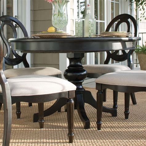 Round Dining Room Table With Leaf Round Pedestal Dining Table With Leaf The Classic Round