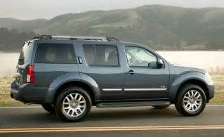 08 Nissan Pathfinder Car And Driver