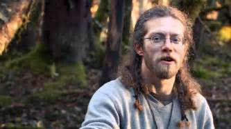 alaskan bush people fake family lives in a hotel not the wild eldest son in rehab