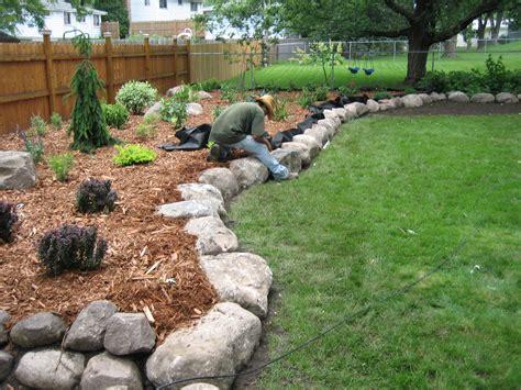 Boulder Landscaping Ideas Fieldstone Boulder Wall Planting Bed Pahl S Market Apple Valley Mn