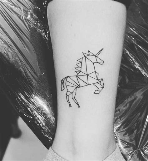 imagenes de unicornios para tatuajes 25 tatuajes de unicornios que querr 225 s hacerte hoy mismo