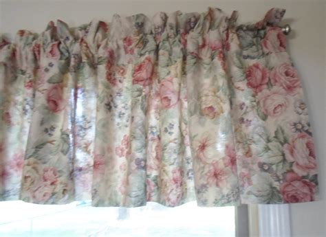28 best shabby chic curtains and valances pretty