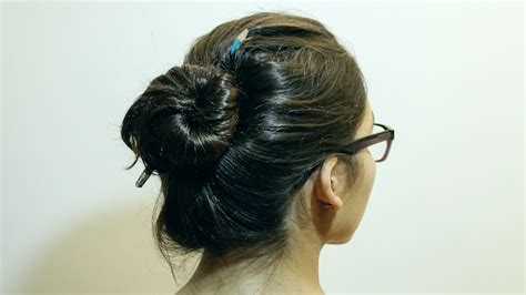 is putting hair in a bun a new fad how to make a bun without a hair tie 8 steps with pictures