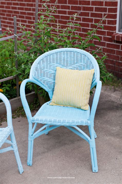 painting wicker patio furniture painting wicker furniture