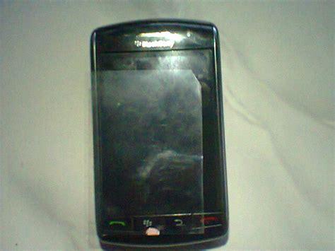 Anti Gores Screen Pro Blackberry 9550 hati hati cara pasang anti gores pada handphone cari tau