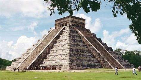 imagenes viviendas mayas astronom 237 a maya pir 225 mide escalonada de chich 233 n itz 225