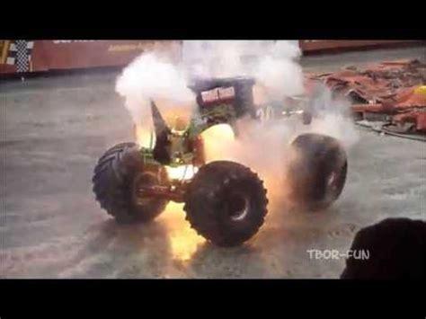 monster trucks grave digger crashes best 20 monster truck videos ideas on pinterest
