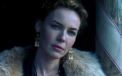 film gladiator queen gladiator star connie nielsen cast in wonder woman as