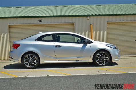 2014 kia cerato koup 2014 kia cerato koup turbo review performancedrive
