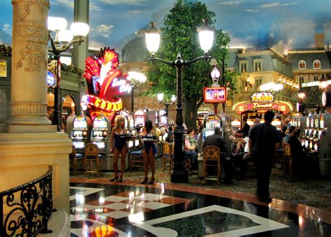 best hotel casino in vegas best hotels and casinos in las vegas best vegas casinos