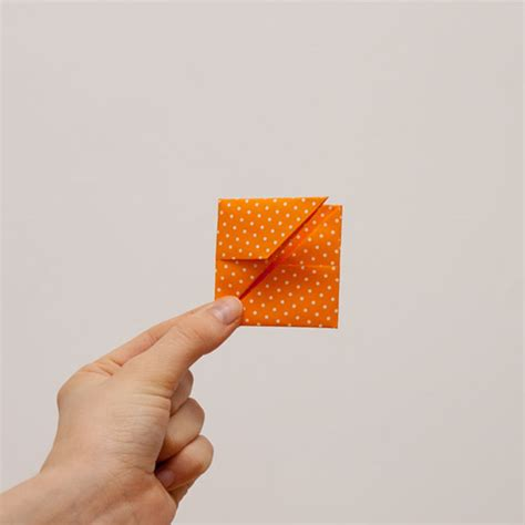 Origami Cube Step By Step - how to make an origami cube in 18 easy steps from japan
